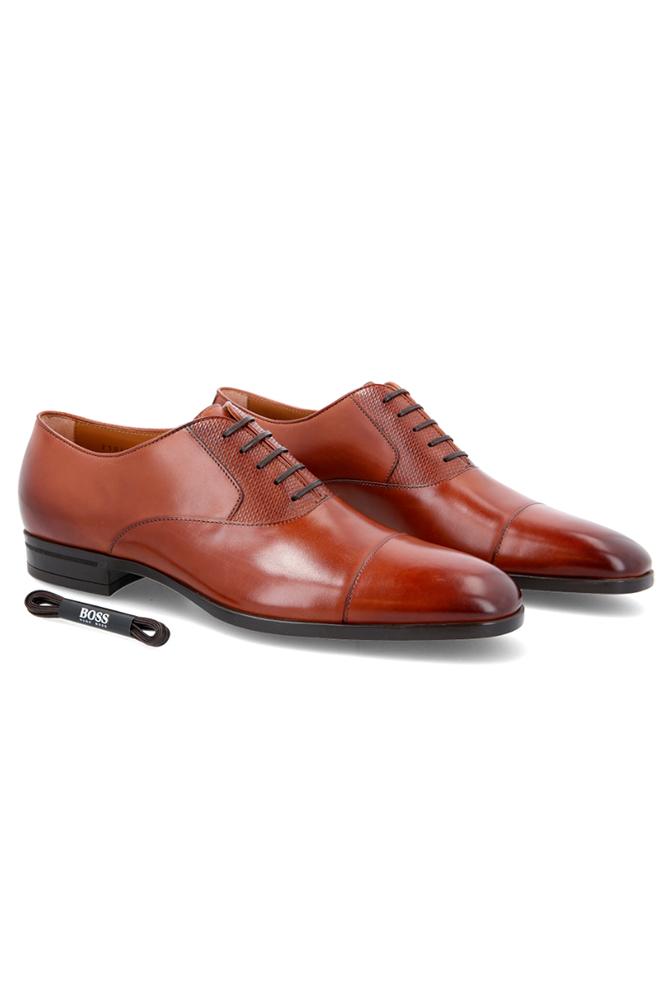 Calzado Boss tipo Oxford Coñac.