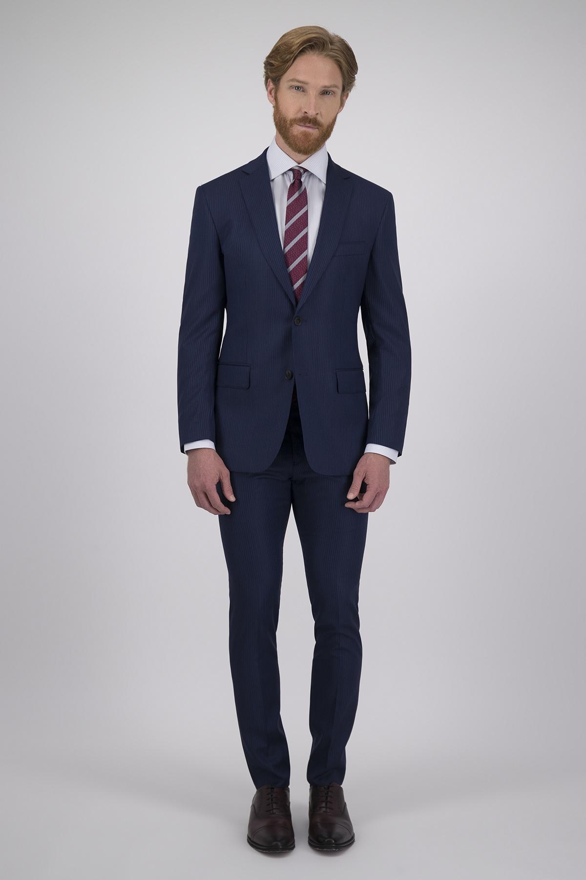 Traje Calderoni Couture Azul a Rayas con Tejido super 150´s Lana 100% Corte Regular, 2 Piezas.