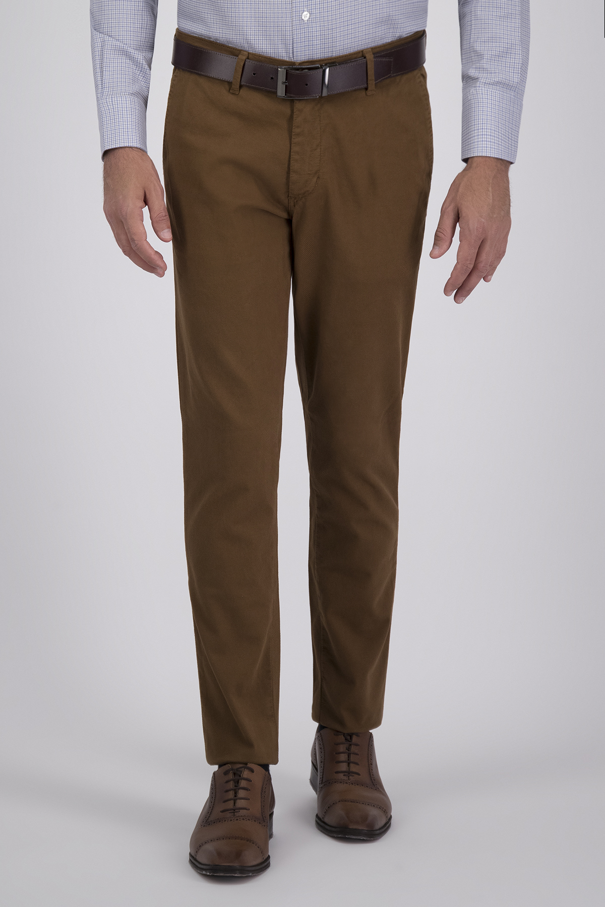 Pantalón Sport High Life, Algodón 100%  Café, Corte Slim, Tipo Chino, Made in Italy.