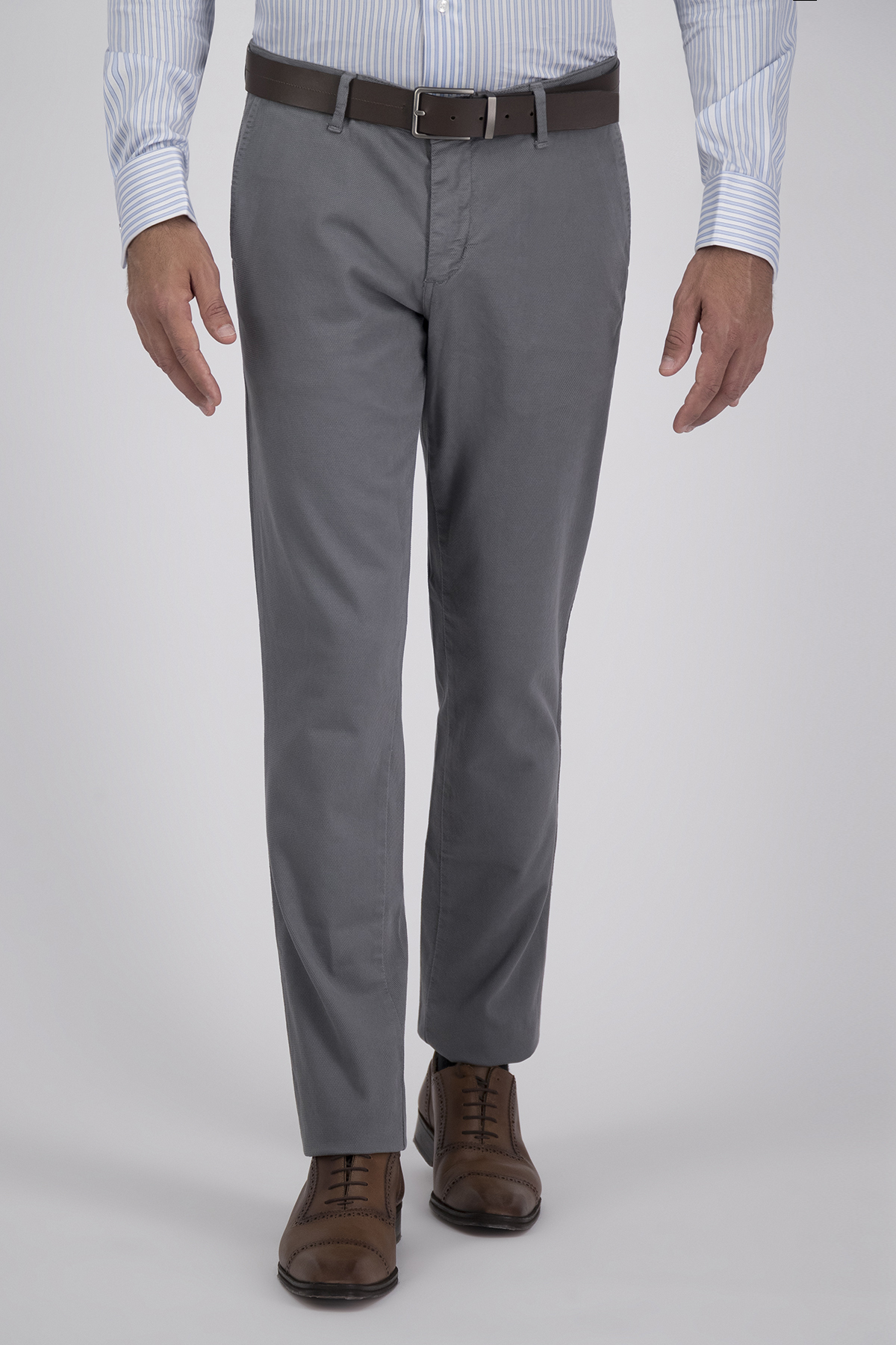 Pantalón Sport High Life, Algodón 100%  Gris, Corte Slim, Tipo Chino, Made in Italy.