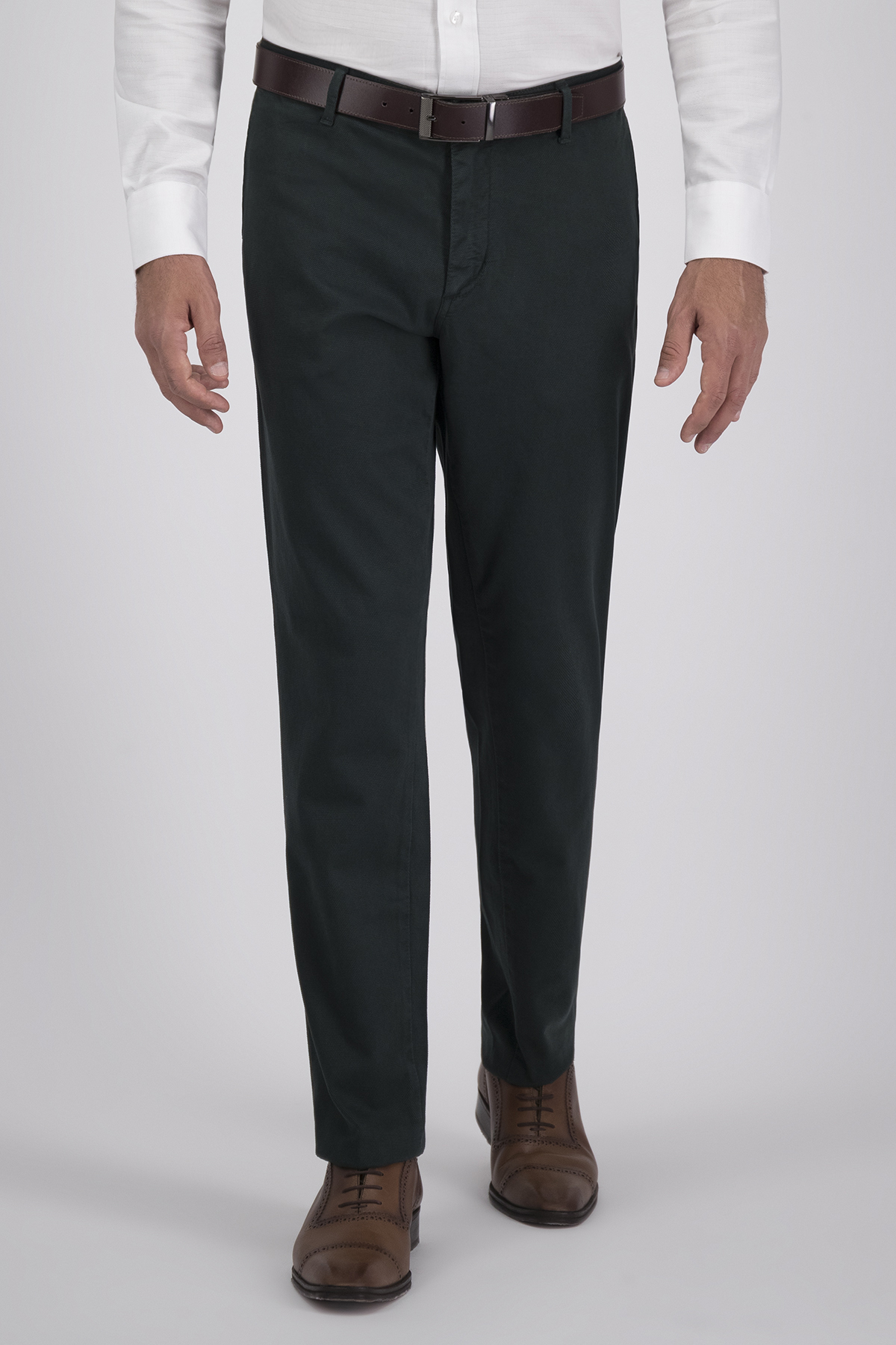 Pantalón Sport High Life, Algodón 100%  Verde, Corte Slim, Tipo Chino, Made in Italy.
