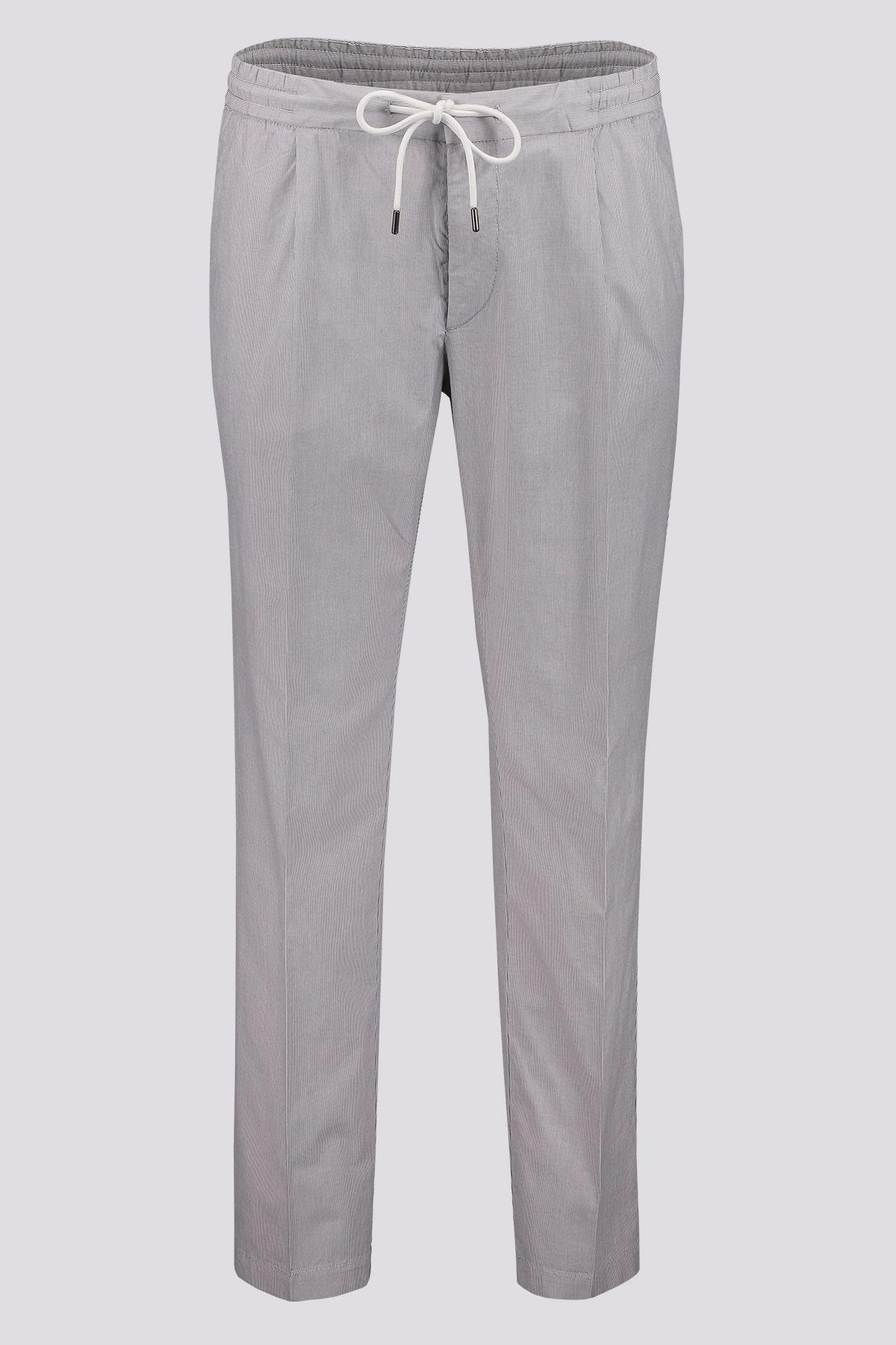 Pantalones marca BOSS slim fit en algodón elástico estructurado