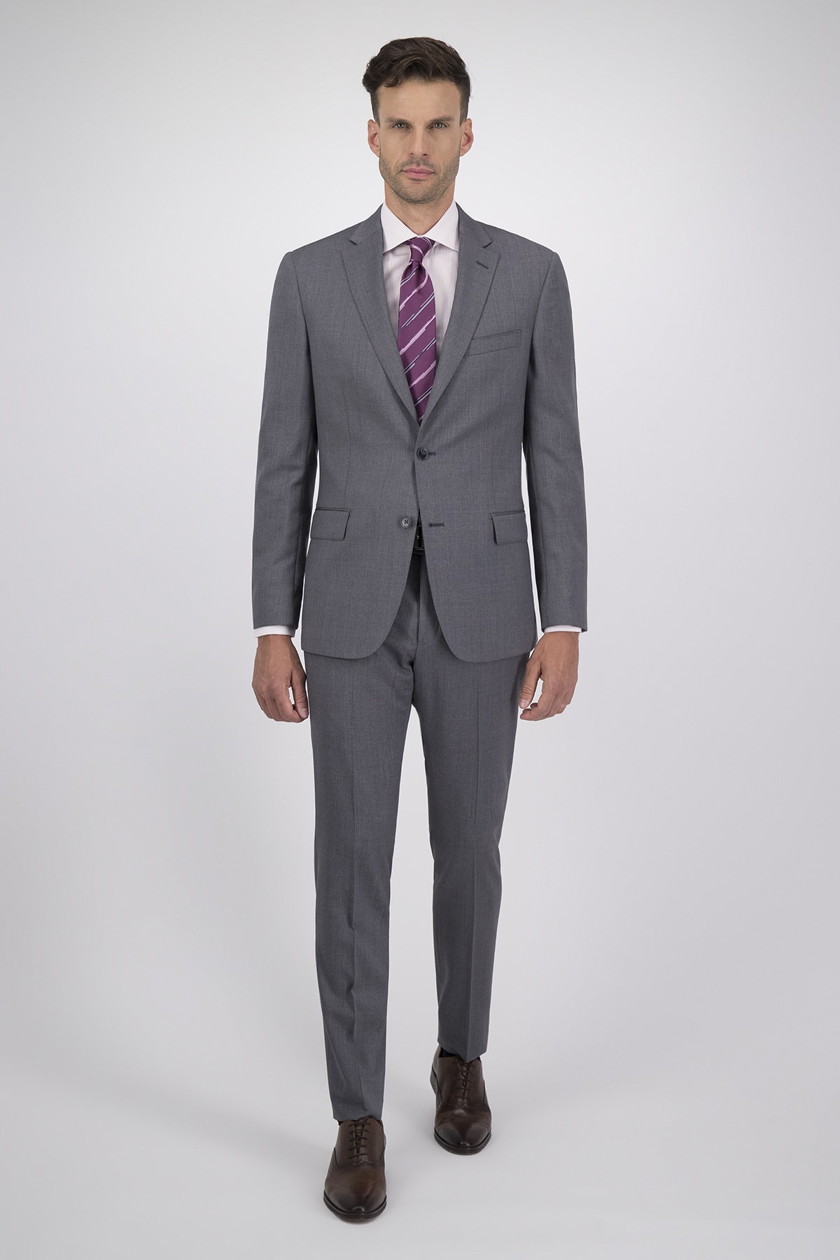 Traje High Life corte Regular Gris Claro