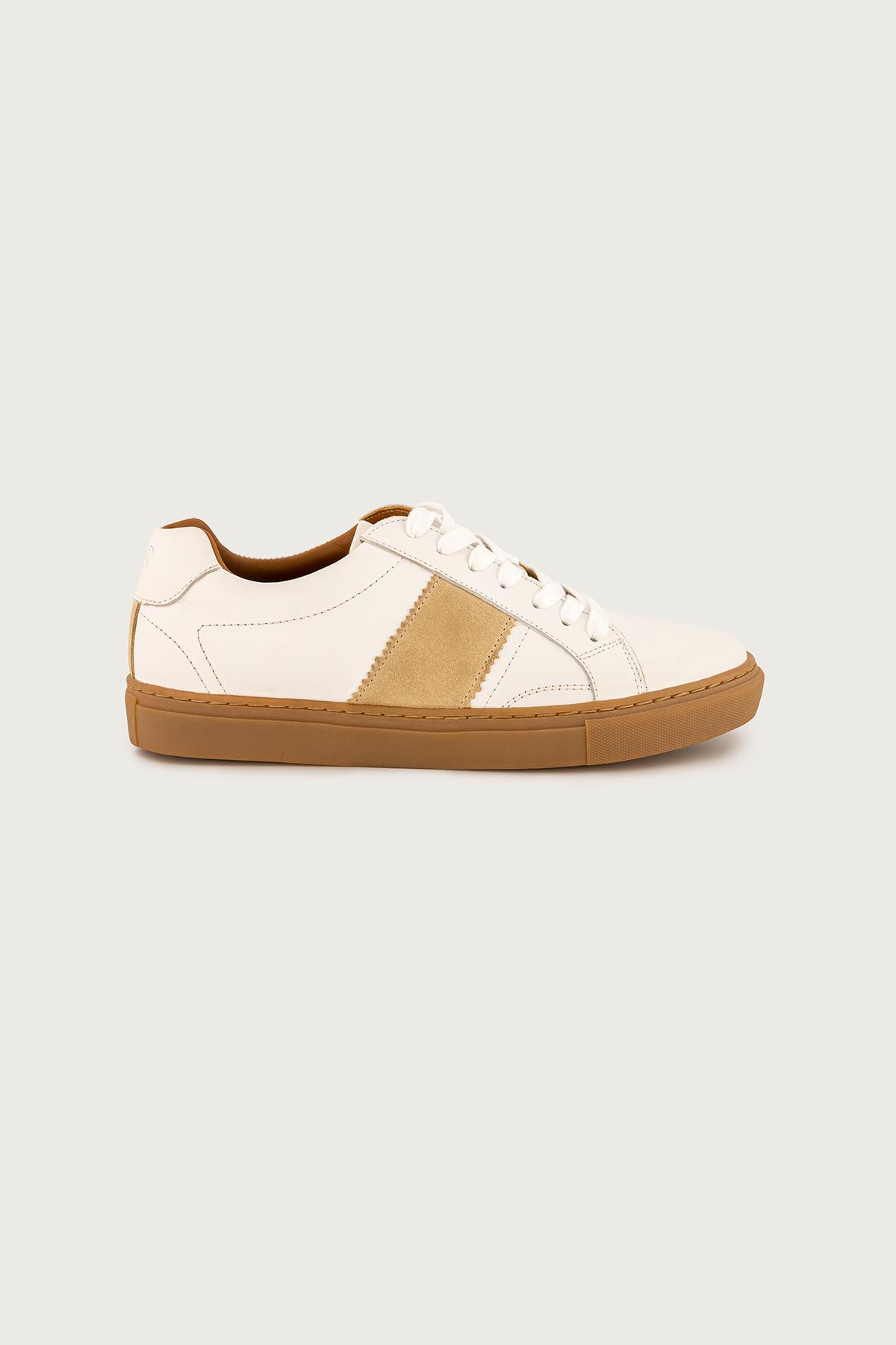 "Sneakers marca CALDERONI, modelo ""Sicilia"" color blanco."